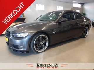 BMW 3 Serie Coupe 320i high Executive. zie foto,s