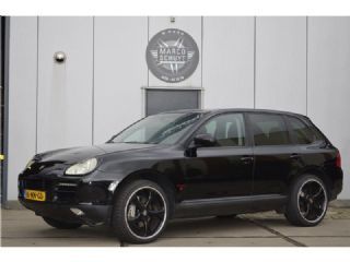 Porsche Cayenne 4.5 S TECHART LOOK' radio met apple car play; Youngtimer
