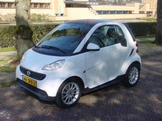 Smart Fortwo Coupé MHD edition pure 45kW