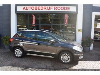 Suzuki S-Cross 1.6 Exclusive VELE EXTRA