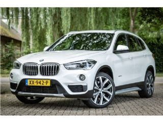 BMW X1 2.0i xDrive High Executive Panorama Harman Kardon