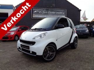 Smart Fortwo Coupé 1.0 PURE / AUTOMAAT / AIRCO / ELEK RMN / C.VERGR.AFSTAND / 15 INCH LM VLG / RADIO-CD MP3 / PARROT HANDSFREE / IN TOP STAAT