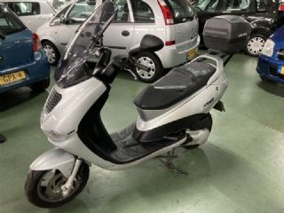 Peugeot Motor Scooter Elyseo 125 Nette Scooter