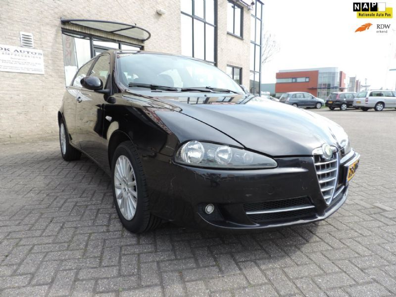 Alfa Romeo 147 16 Tspark Business 5 Deurs139000km