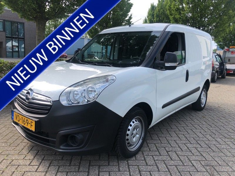 Opel Combo occasion - Carshop Eindhoven B.V.