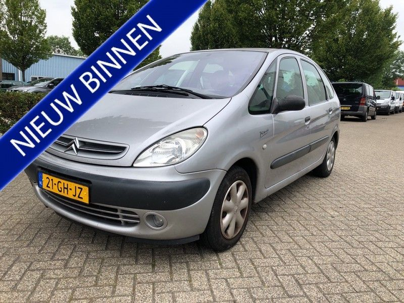 Citroen Xsara Picasso occasion - Carshop Eindhoven B.V.