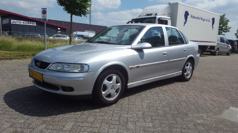 Opel Vectra occasion - Auto Korpel